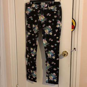 Aeropostale Black Denim Jeans w/Floral Print